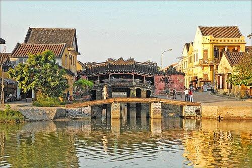 L'ancien pont japonais de Hoi An